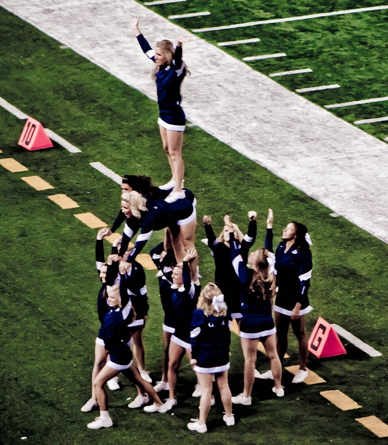 BYU CheerLeader Pyramid college cheerleading collegiate football field game day from Cheerleading: Utah Schools: BYU, Utah, UVU, Weber, USU (Aggies, Utes, Cougars) board http://www.pinterest.com/kythoni/cheerleading-utah-schools-byu-utah-uvu-weber-usu-a/ #cheer #KyFun m.31.4