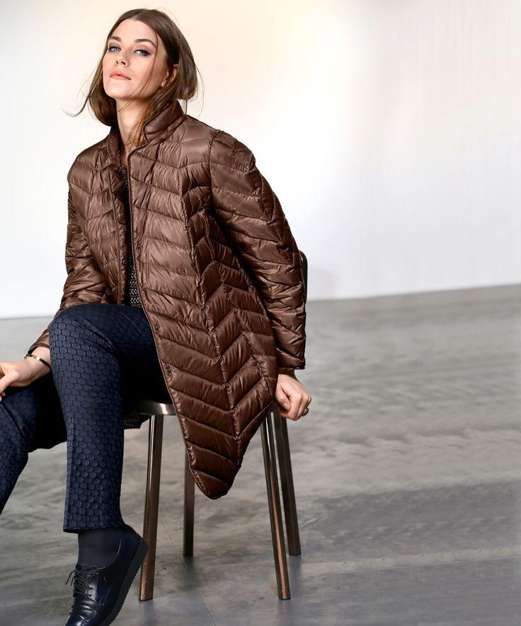 Exklusive Mode in Größen 42bis 64 von selection by Ulla Popken #exklusiv #damenmode #businessmode #plussize #elegant #style #fashion #jacket #daunenmantel #plussizestyle #steppjacke