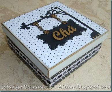 Caixa de chá feita para uma amiga. Tem tutorial no meu blog. www.sd-atelier.blogspot.com