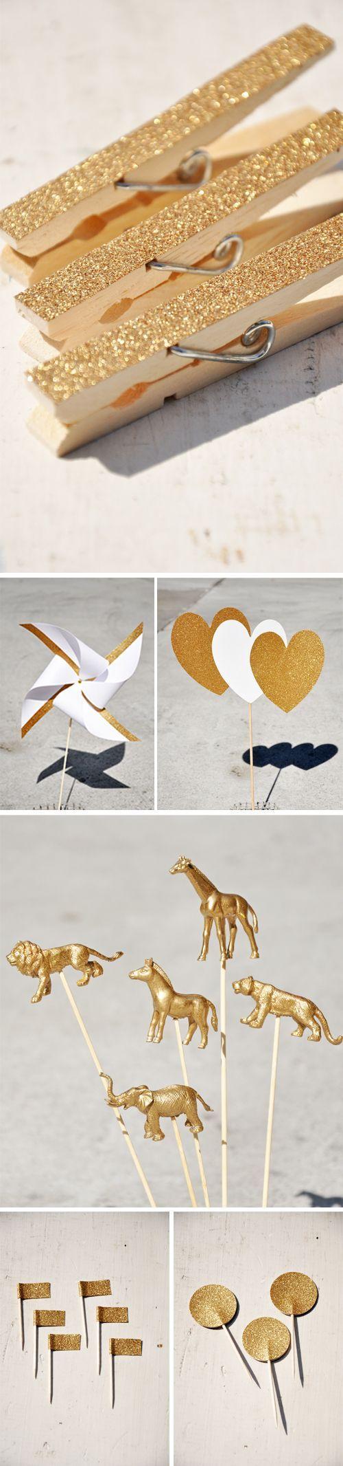 de magnifiques pinces à linge grâce à de la poudre dorée. #christmas #noel #or http://www.instemporel.com/s/3531_63221_paillette-decoration-table-mariage