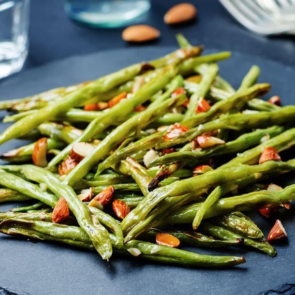 Haricots verts rôtis au four aux amandes croquantes