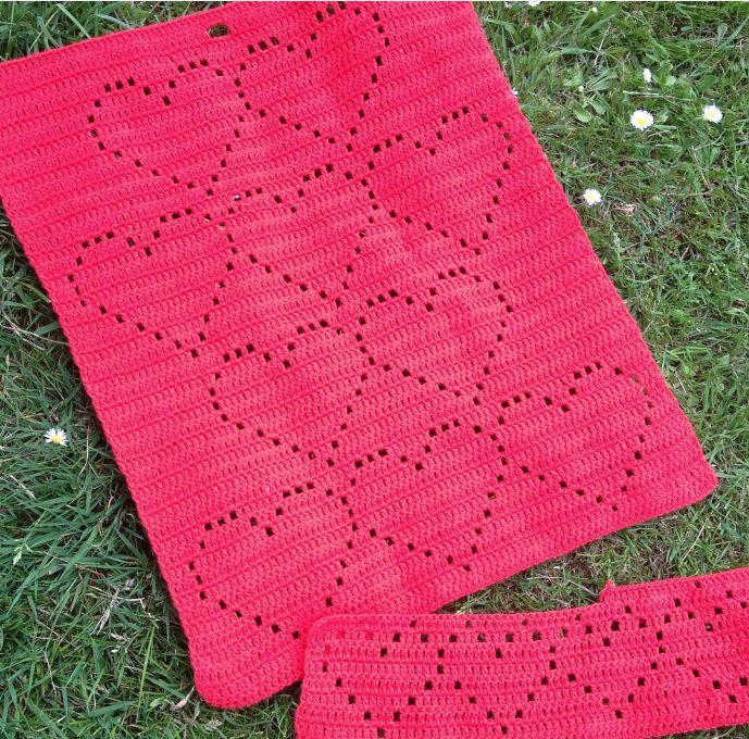 Hæklet HjerteHåndklæde 1 gratis hækle opskrift fra Astrid. Hæklet håndklæde med hjerte mønster. Hækleopskrifter, hækleblog