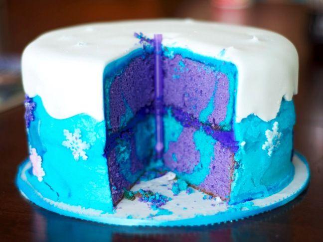 Inside of Frozen cake (www.momtastic.com)