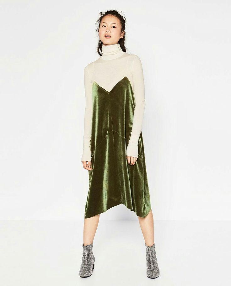 Vestido terciopelo verde tirantes zara 23€ jersey beige y botines brilli 30€