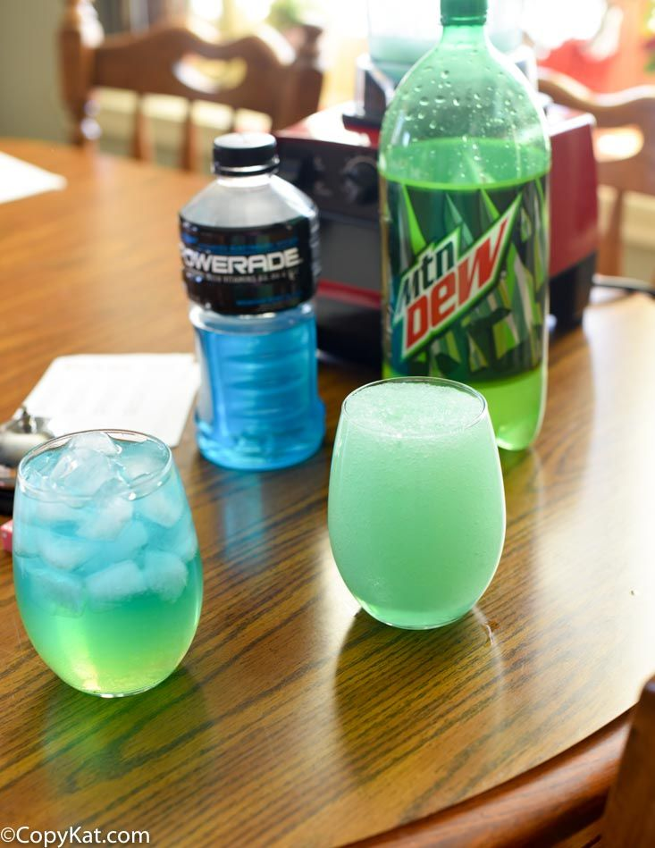 Make your own Taco Bell Baja Blast Freeze at home with this easy recipe.