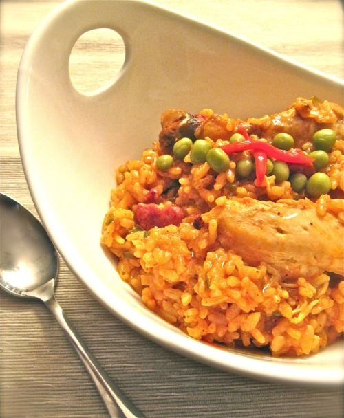recipe for the Perfect Arroz con pollo! delicious food recipes and more.