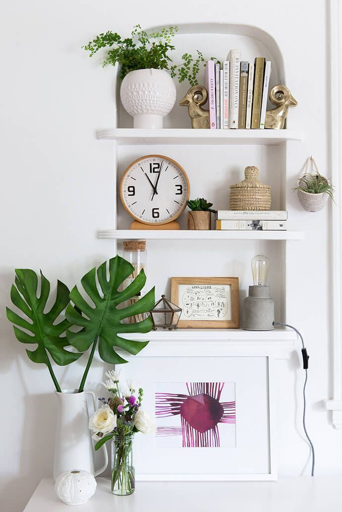 bult-in bookshelf \ natural \ neutral \ styling \ airy \ bohemian \ eclectic \ living room \ dining room \ hallway \ bedroom