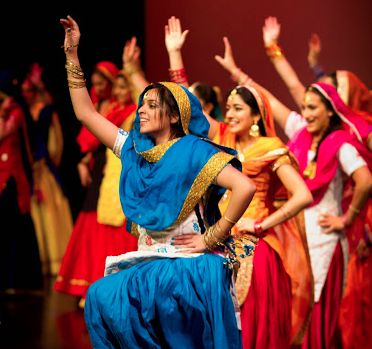 UBC Bhangra Club: Exhibition India Culture Show- second suit combination <3