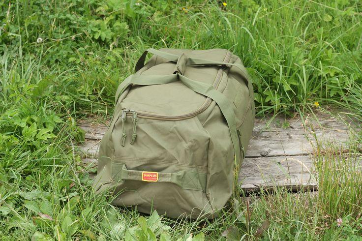 Cestovná taška v olivovej farbe z pevného a odolného materiálu od výrobcu Surplus. http://www.armyoriginal.sk/1741/110204/cestovna-taska-olivova-surplus.html
