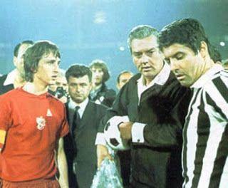 VISTO DAL basso    : CALCIO Champions League, le finali Juve - (1): 197...