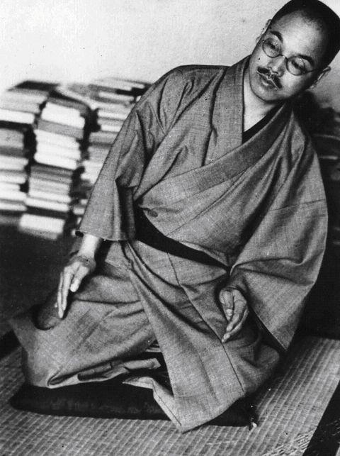 Комплекс физических упражнений для женщин от японского целителя Кацудзо Ниши. Эти упражнения легко выполнимы и полезны женщинам в любом возрасте. Они формируют совершенные линии женского тела