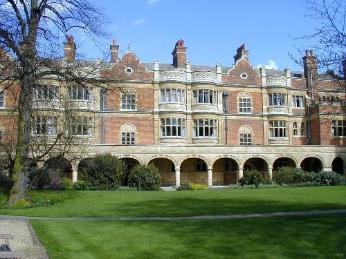 Sidney Sussex College: Cloister Court (J.L. Pearson) Cambridge