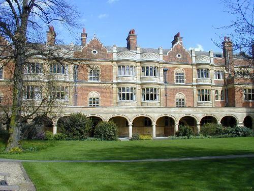 Sidney Sussex College: Cloister Court (J.L. Pearson) Cambridge