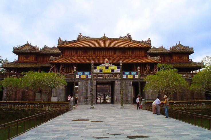 http://www.vietnamitasenmadrid.com/hue/que-ver-hue-vietnam.html Hue Vietnam - Que ver en Hue