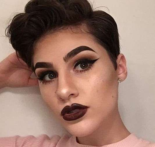Alex Dello pictures,charging over $700 to her mother's credit card on Sephora