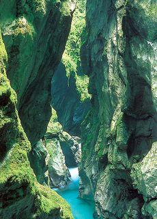 Slovenija.nl - Informatie over rivierkloven in Slovenië: Korita Tolminke in Korita Zadlaščice - Tolminka kloof en Zadlaščica kloof