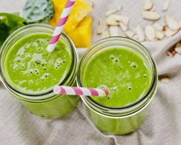 Energy Booster Spinach and Collard Greens Smoothie