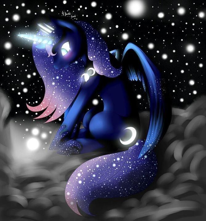 Princess Luna has the cutest colors