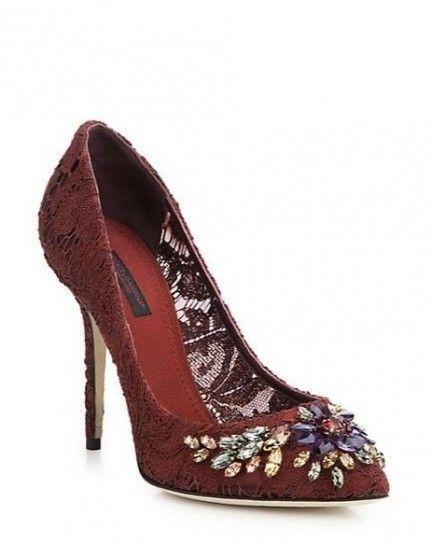 Pumps gioiello Dolce & Gabbana - Modello rosso scuro con elementi gioiello dalla collezione di scarpe Autunno/Inverno 2015/2016