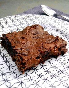 Esta foto definitivamente não traduz a gostosura deste prato. Aliás, brownie + chocolate + Nutella é uma equação quase impossível de dar errado. Ou seja: não precisa de muita técnica nem de muita h…
