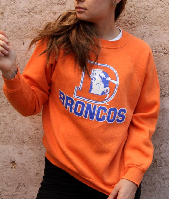 denver BRONCOS vintage SWEATSHIRT 80s 90s soft cozy orange