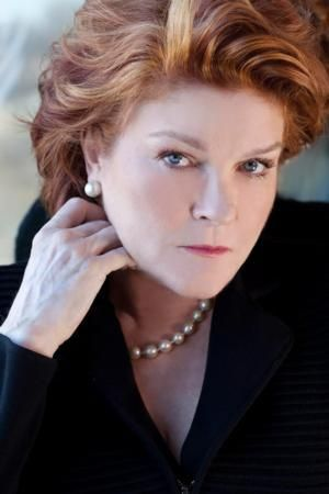 Kate Mulgrew, America Ferrerra & More Set for Lilly Awards Foundation's Play Reading Series