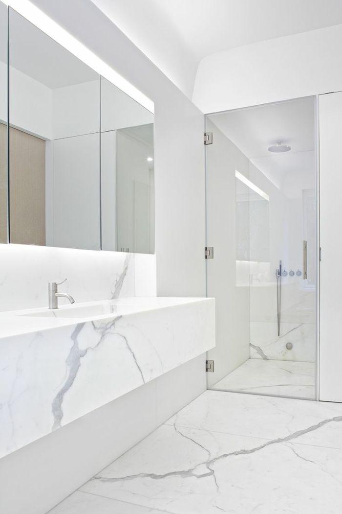 Les 25 meilleures id es de la cat gorie salles de bains en for Carrelage style marbre