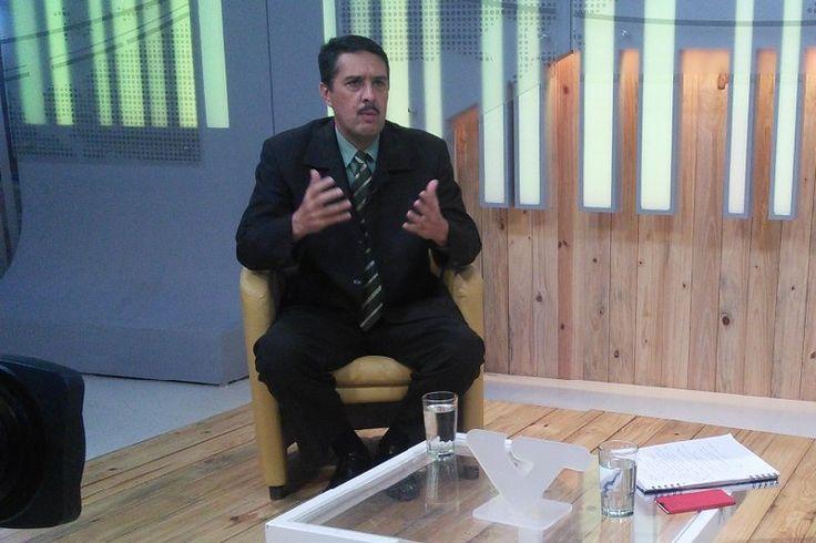 ¡DESFACHATEZ! Ramón Lobo: El bolívar se revaloriza ante el dólar con las casas de cambio - http://wp.me/p7GFvM-wtw