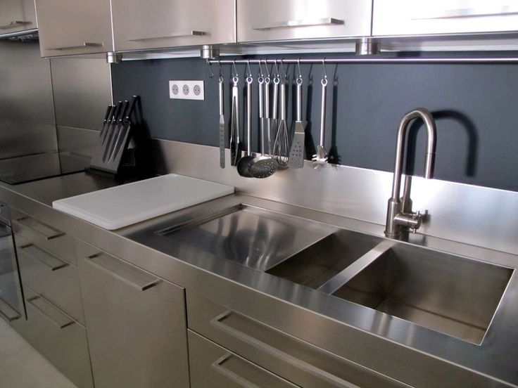 les 25 meilleures id es concernant cuisine inox sur pinterest inox cuisine m tal et m tal. Black Bedroom Furniture Sets. Home Design Ideas