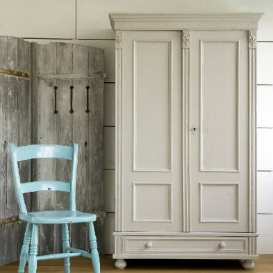 painted in  F+B Conforth White