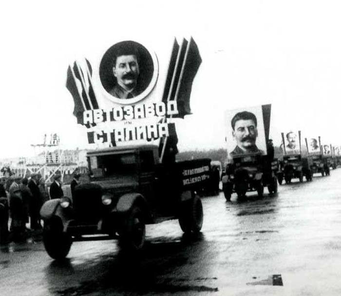 Грузовик АМО-3 — это первый автомобиль СССР, который сошел с конвейера. 1931 г.