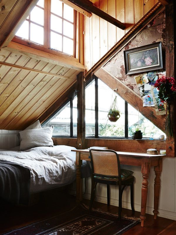 Attic bedroom. Photography by Annette O'Brien for The Design...