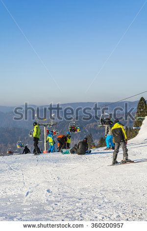 Wierchomla Mala, Poland - January 02, 2016: Preparing to skiers and snowboarders on the slopes to exit.