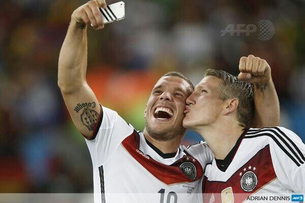 Basti poldi selfie