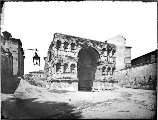 Roma - Arco di Giano Cronologia del fototipo sec. XIX seconda metà