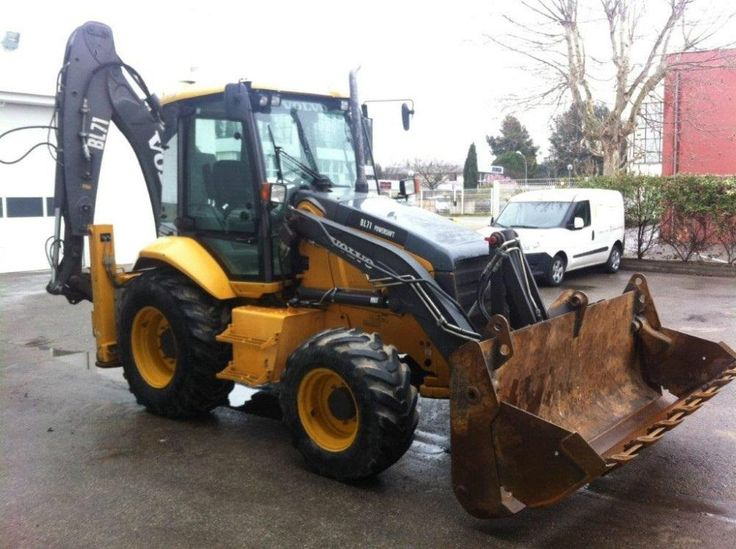 For sale Backhoe Volvo BL 71 TITAN Second Hand. Manufacture year: 2009. Working hours: 4500. Weight: 9000 kg. Cup 4 in 1. Excellent running condition. Ask us for price. Reference Number: AC0023. Baurent Romania.