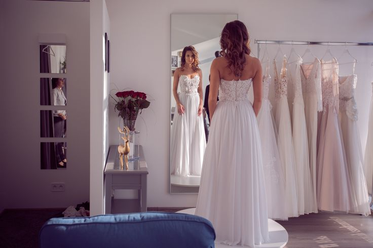 Aleksandra Miroslaw SS 2017 bridal collection. #weddingdress  #bridalgown