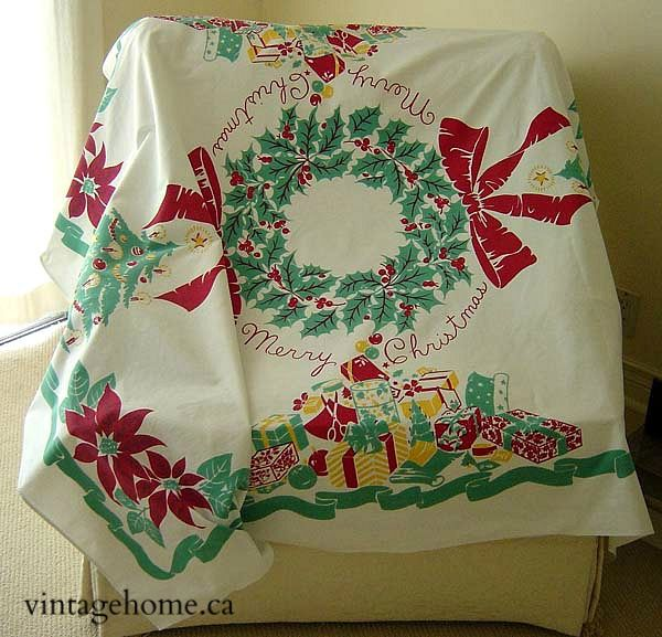 32 Best Images About Vintage Christmas Tablecloths