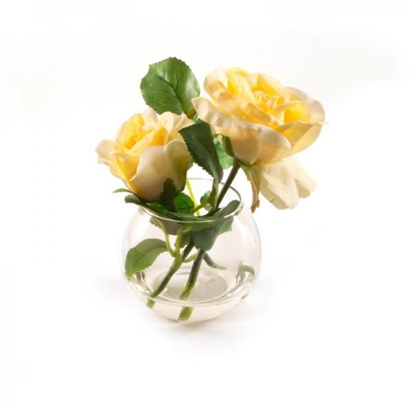 Yellow roses in a small fishbowl in still water. Height 14cm. €13.50