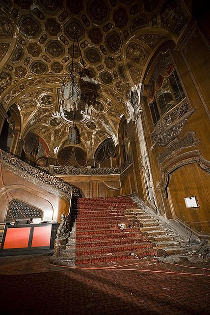 """The fabulous King's Theater in New York City. Brooklyn's King Theater was once one of the country's grandest movie theaters. The theater opened on Flatbush Ave in 1929 and was one of five """"Loew's Wonder Theaters"""" in New York. The theater closed in 1977 and has been abandoned ever since."""