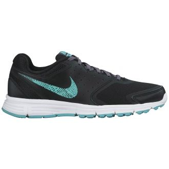 Dámská běžecká bota Nike REVOLUTION EU W pro běžkyně s neutrálním držením těla. Obuv přinášející prodyšnost, pohodlí, hladký přechod mezi došlapem a odrazem a v neposlední řadě také mladistvý vzhled při běhu i každodenním nošení. Lehká síťovina po celém svršku zvyšuje prodyšnost a pohodlí. Perforované kožené sedlo ve střední části chodidla zajišťuje prodyšné a pohodlné přizpůsobení. Dělená mezipodešev z materiálu Phylon po celé délce boty zajišťuje nejen nízkou hmotnost, ale také citlivé…