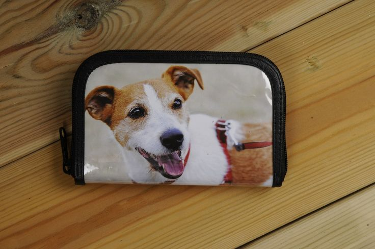 Small zip-wallet using dogs magazines