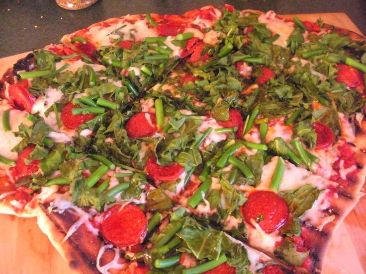Grilled garlic scape and kale pizza | Vegetables and Side Dishes | Pi ...