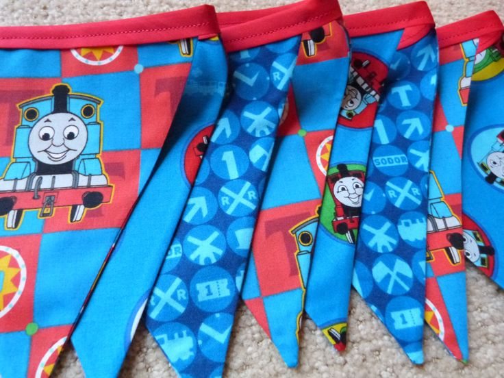 Thomas The Tank Engine Theme   Party Bedroom Fabric Bunting Flags (9)   8.5  Feet