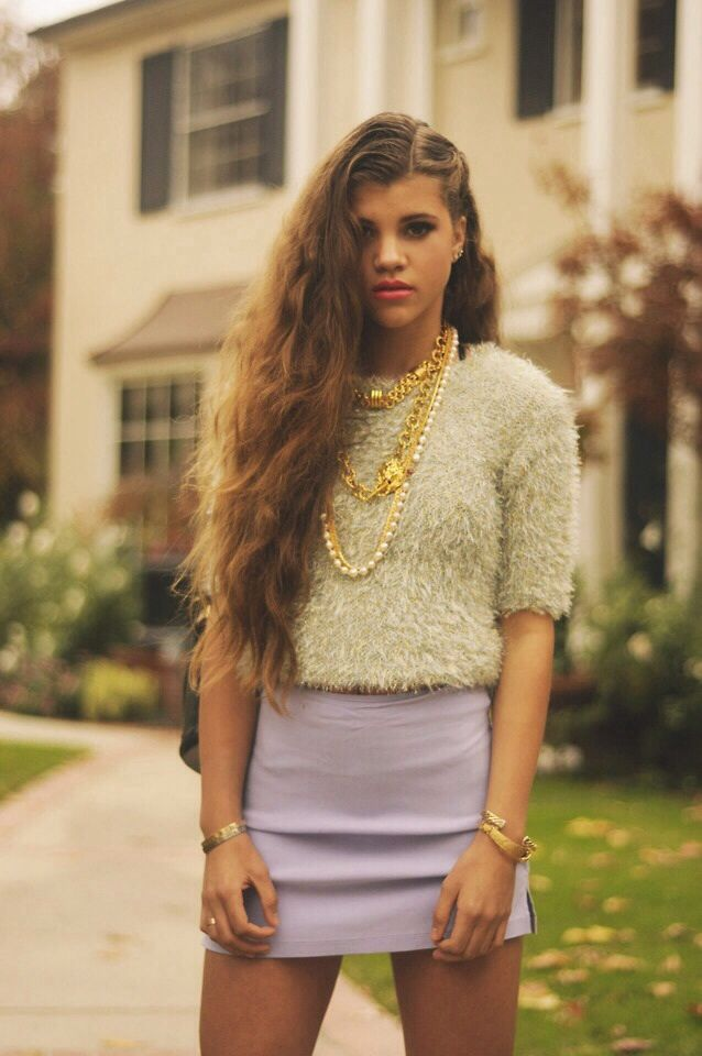 sofia richie kinda reminds me of a younger danielle fishel super long hairnice