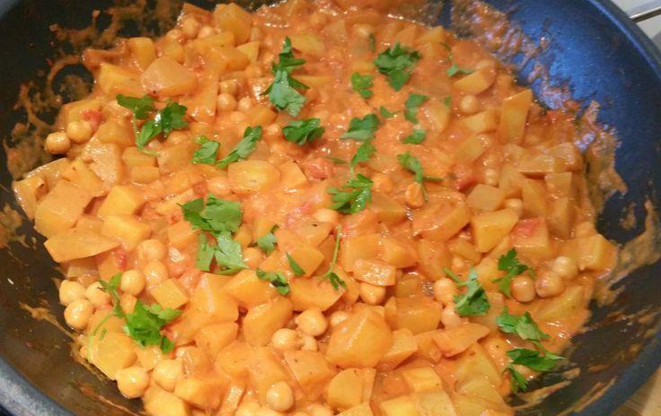 aardappel kikkererwten curry | Vegetarisch eten is een feest!