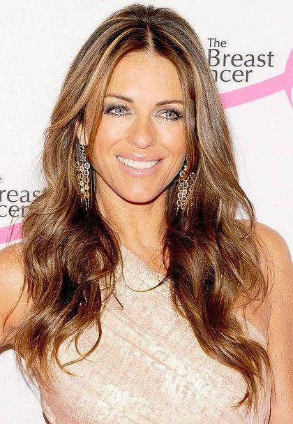 Actress Elizabeth Hurley says she wants to marry fiance Australian cricketer Shane Warne, but work commitments are making things difficult for them. Description from entertainment.onepakistan.com.pk. I searched for this on bing.com/images