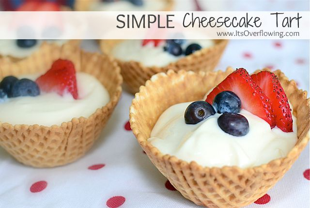 Simple cheesecake Tarts (only 5 ingredients!)Desserts Recipe, Cheesecake Tarts, Fourth Of July, Tarts Recipe, 4Th Of July, Fruit Tarts, Minis Cheesecake, Cream Chees, Simple Cheesecake