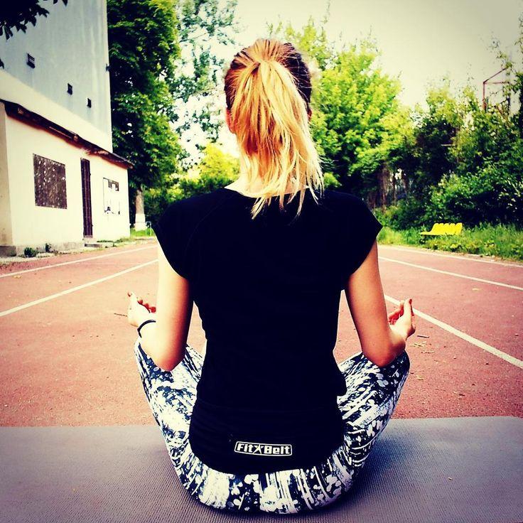 #love to #meditate and doing #yoga with @fitbelt #running #run #runningbelt #fitbelt #women #men #marathon #triathlon #ironman #fitness #fit #crossfit #training #yoga #motivation #inspiration #love #usa #florida #heat #miamibeach #sfltraffic #sanfrancisco #ca #la #losangeles