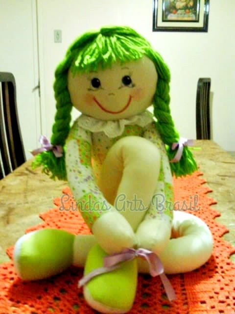 Boneca Pernuda Karen